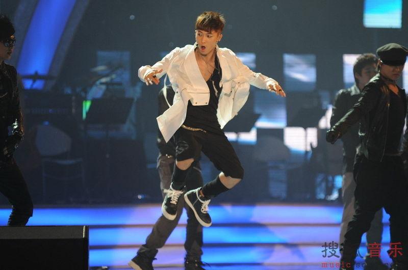 [fotos] Jang Woo Hyuk - Festival de Música Popular en China 7b52972fa264300b1f3089a9