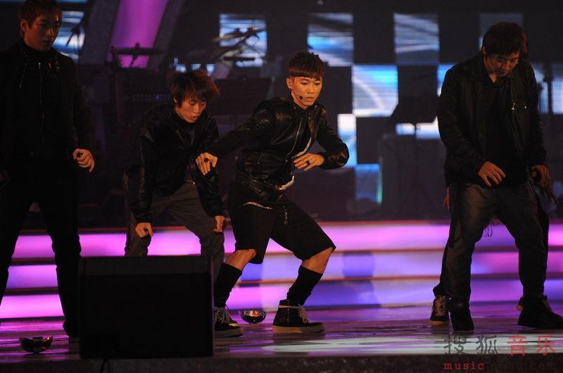 [fotos] Jang Woo Hyuk - Festival de Música Popular en China 3c742c2d0b4c3007349bf7a3