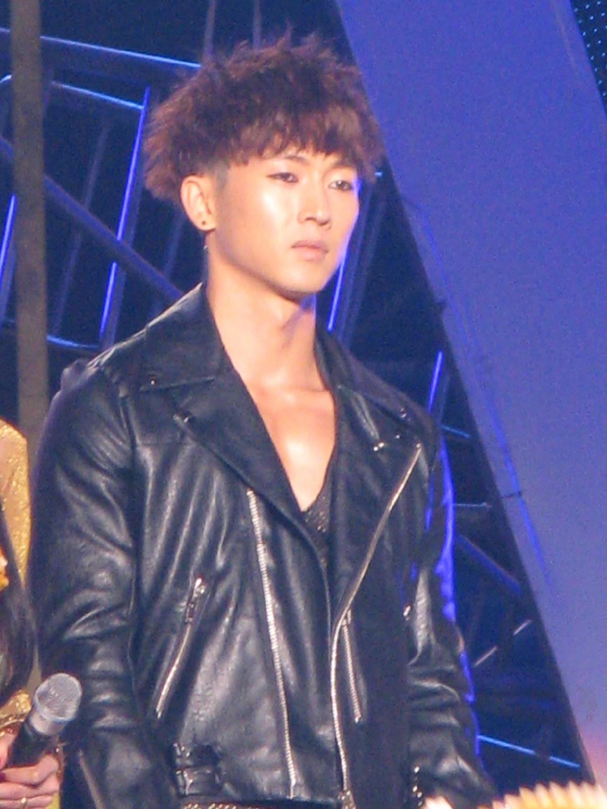 [Fotos] Woo Hyuk Music Festival -Luo Yang,China C603271037607cfea6ef3fc3