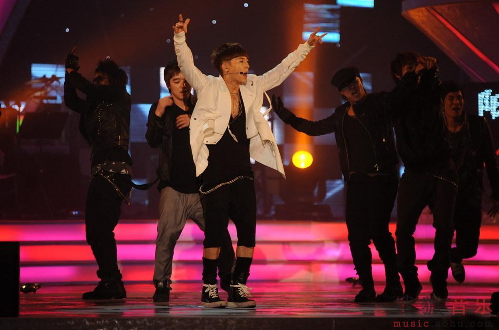 [fotos] Jang Woo Hyuk - Festival de Música Popular en China Fbabc017365b7f3ac93d6da1