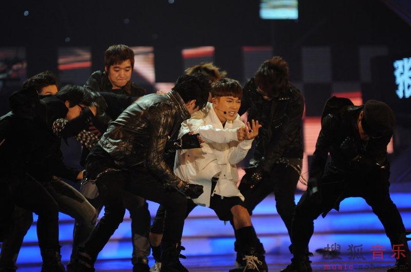 [fotos] Jang Woo Hyuk - Festival de Música Popular en China 951079cf76aa870ef8dc61a9